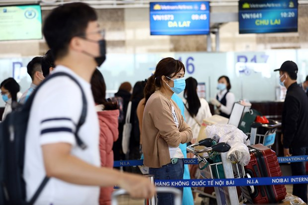 Mandatory quarantine period for air passengers from abroad extended to 21 days: CAAV hinh anh 1