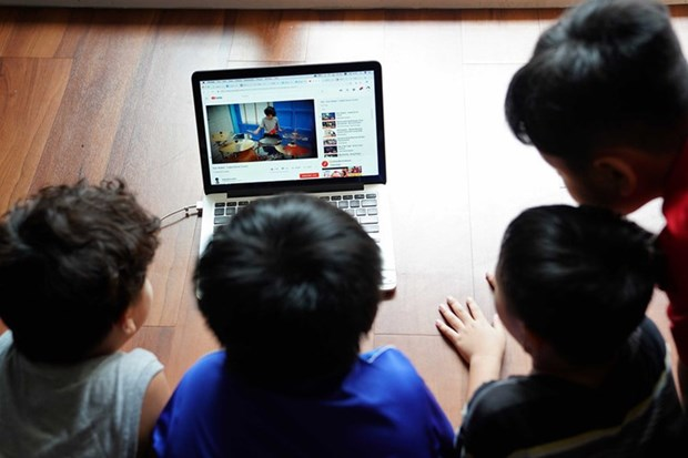Vietnam introduces code of conduct on social networks hinh anh 2