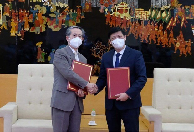 Vietnam receives 500,000 doses of Vero-Cell vaccine produced by Sinopharm hinh anh 2