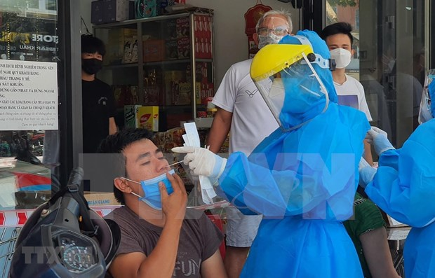 175 COVID-19 patients given all-clear on June 20 hinh anh 1