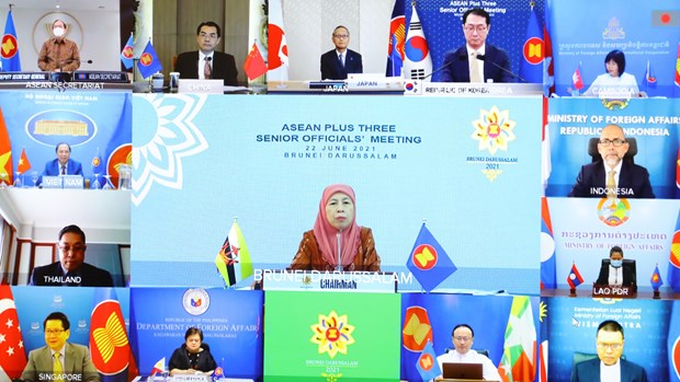 ASEAN+3 SOM: Vietnam underlines cooperation to fight COVID-19, promote recovery as top priority hinh anh 1
