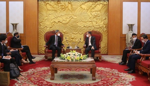 Ruling parties of Vietnam, Singapore seek stronger cooperation hinh anh 1