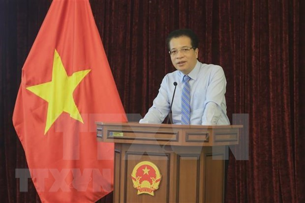 Vietnamese embassy in Russia shares hardships of journalists during COVID-19 hinh anh 1