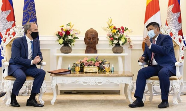 Cambodia, UK discuss climate plan hinh anh 1