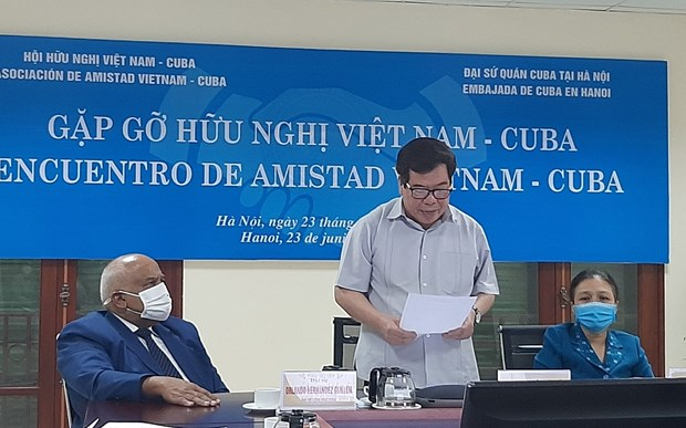 Vietnamese people always stand side by side with Cuba hinh anh 1