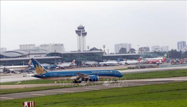 Flights to central region destination temporarily suspended hinh anh 1