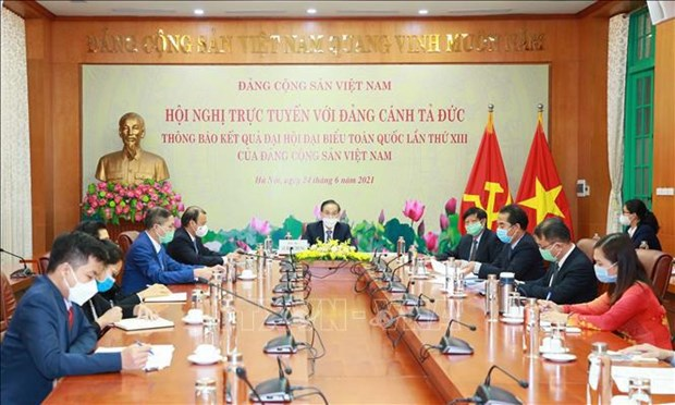 Vietnam informs outcomes of Party Congress to Germany's The Left party hinh anh 1