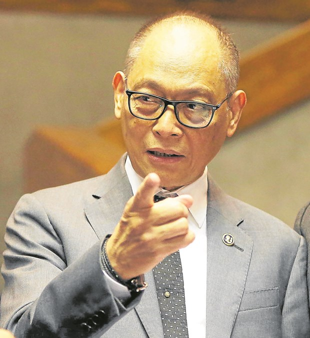 Philippine central bank keeps interest rate at historic low hinh anh 1