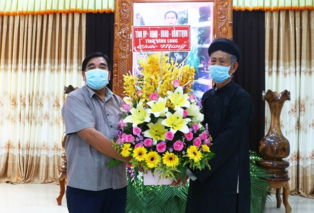 Vinh Long authorities offer congratulations on Hoahaoism's 82nd anniversary hinh anh 1