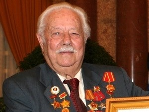 Leaders extend condolences over death of Greek Hero of People's Armed Forces hinh anh 1