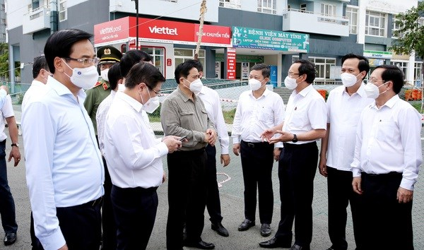PM inspects pandemic fight in Ho Chi Minh City hinh anh 1