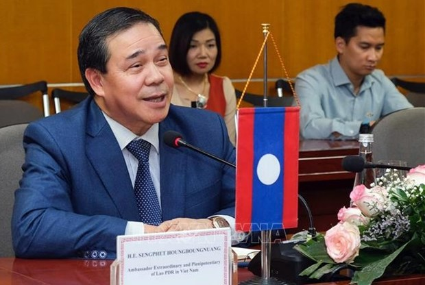 Top Lao leader's Vietnam visit reaffirms stance in promoting bilateral relations: Lao diplomat hinh anh 1
