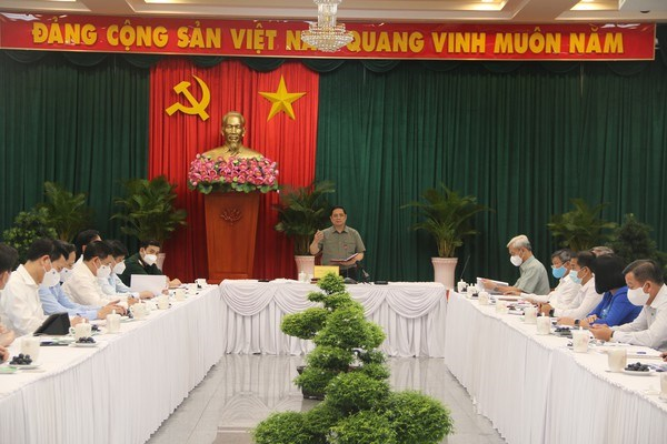 PM orders southern localities to take actions in realising dual targets hinh anh 2