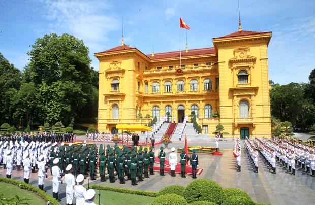 Welcome ceremony held for top Lao leader Thongloun Sisoulith hinh anh 2