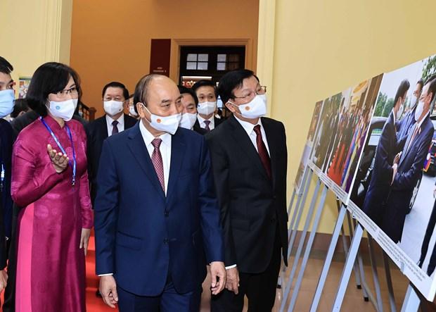 Top Lao leader visits Ho Chi Minh National Academy of Politics hinh anh 2
