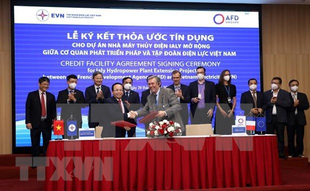 French Development Agency lends 74.7 million EUR to EVN's hydropower project hinh anh 1