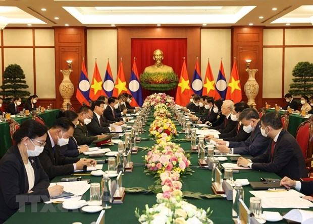 Top Lao leader's Vietnam visit – historical milestone in bilateral ties hinh anh 3