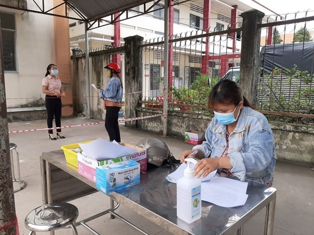 Twelve groups of policies to support pandemic-hit people announced hinh anh 1