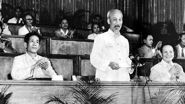 French Party official: Party chief's article holds timeless values of President Ho Chi Minh's Thought hinh anh 1