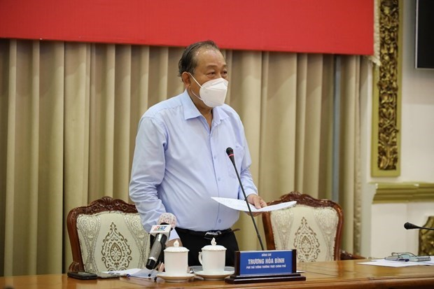HCM City urged to exert every effort to control pandemic by August hinh anh 2