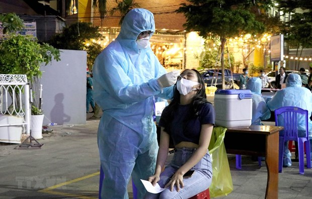 Vietnam confirms 330 more COVID-19 cases, mostly in HCM City hinh anh 1