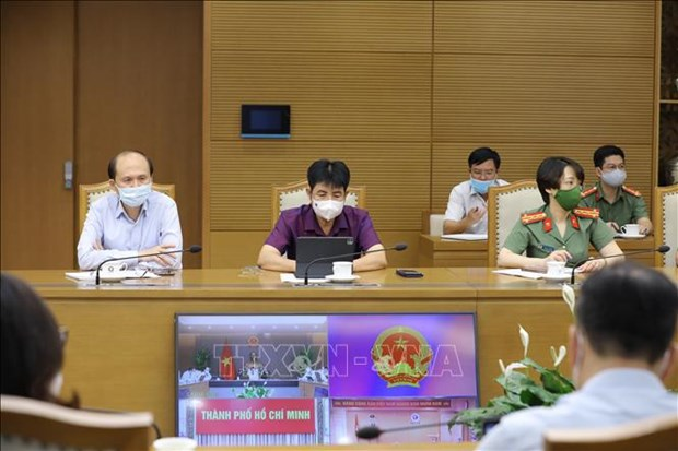 HCM City tightens exit-entry regulations to prevent pandemic spread hinh anh 2