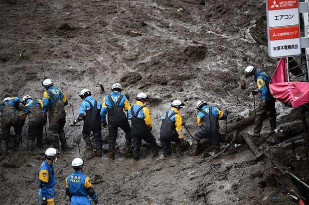 Vietnam extends sympathy to Japan over losses caused by heavy rains hinh anh 1