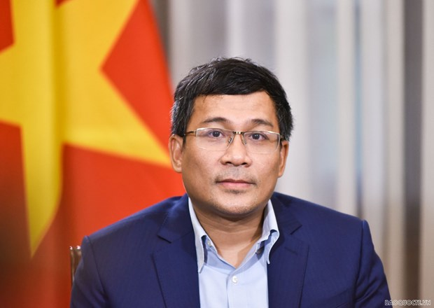 Vaccine diplomacy now urgent, long-term solution to stamp out COVID-19: Deputy FM hinh anh 2