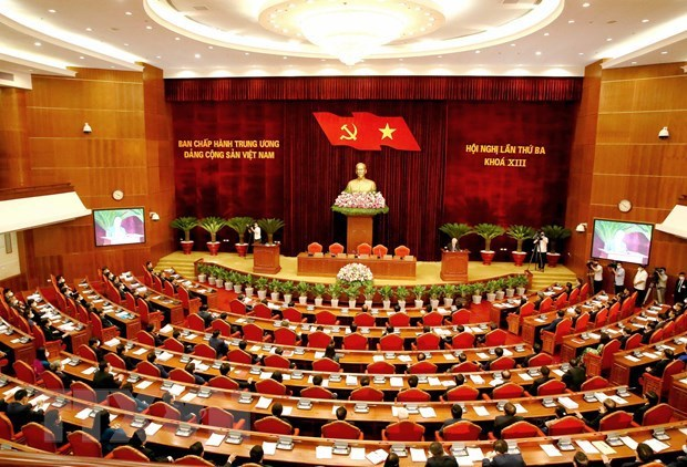 13th Party Central Committee wraps up third plenum hinh anh 2