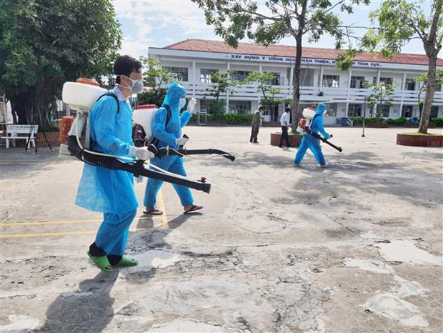 COVID-19: Ministry to mobilise 10,000 medical workers to aid HCM City hinh anh 2