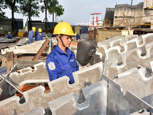 Vietnam's economy to rank fourth in ASEAN: experts hinh anh 1