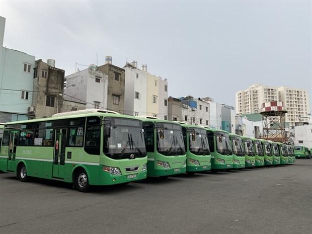 HCM City suspends public transport as lockdown begins hinh anh 1