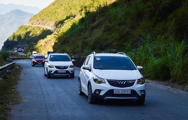 VAMA members see fall in car sales in June hinh anh 1