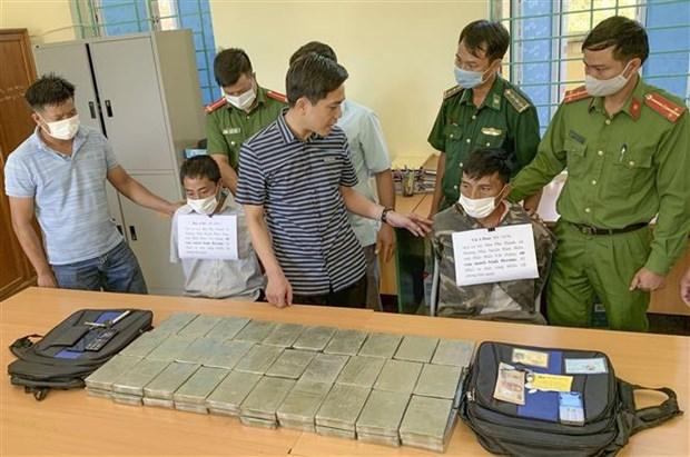 Drug smugglers arrested in northern Dien Bien province hinh anh 1