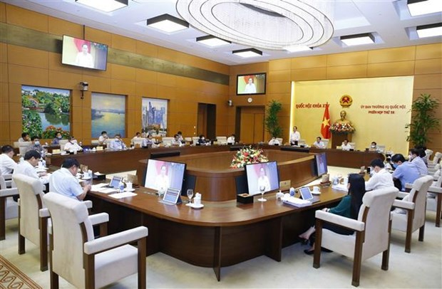 NA Standing Committee discusses socio-economic development plan hinh anh 2