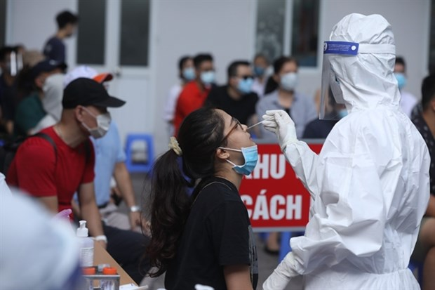 Hanoi to test 10,000 people with high risk hinh anh 1