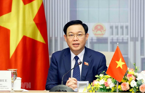 Top Vietnamese, Singaporean legislators hold online talks hinh anh 1