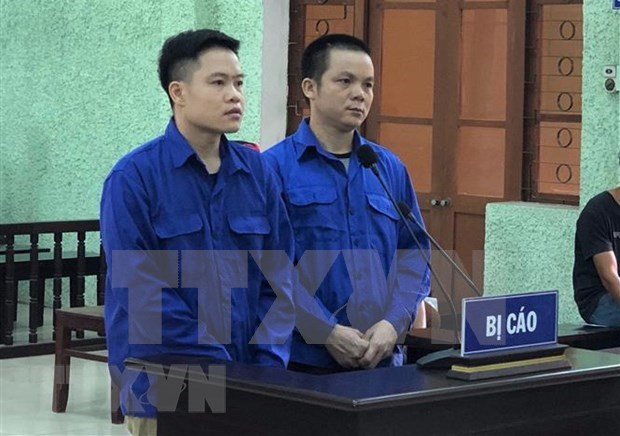 Two men in Cao Bang jailed for brokering illegal exit hinh anh 1