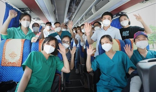 Nearly 4,500 medical staff help HCM City fight COVID-19 hinh anh 1