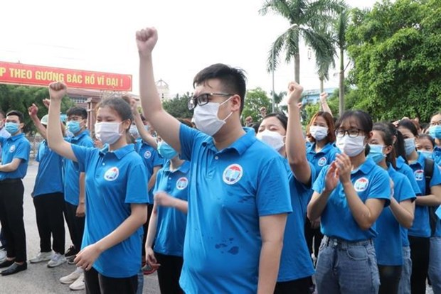 Nearly 4,500 medical staff help HCM City fight COVID-19 hinh anh 2