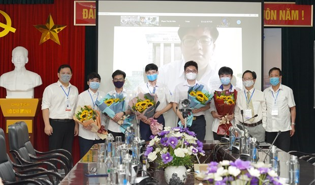 Six Vietnamese students compete in Int'l Mathematical Olympiad hinh anh 1