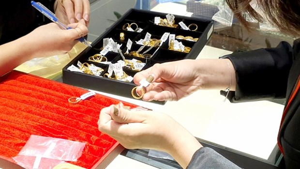 MoF proposes to impose tariff on exported gold hinh anh 1