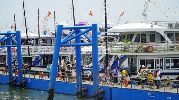 Quang Ninh targets safe, attractive tourism destination hinh anh 1