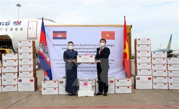 PM extends thanks to Cambodian counterpart over help to HCM City hinh anh 1