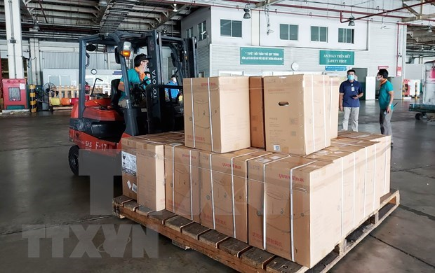 HCM City receives additional medical equipment worth over 400 billion VND hinh anh 1