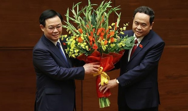 Vuong Dinh Hue elected as Chairman of 15th National Assembly hinh anh 1