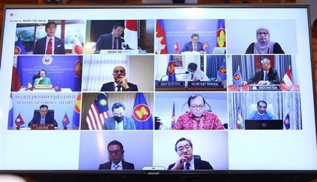 ASEAN-Japan roundtable looks toward 50th anniversary of dialogue partnership hinh anh 1