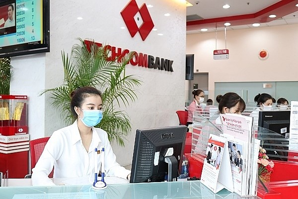 Techcombank posts sector-leading CASA ratio in H1 hinh anh 1