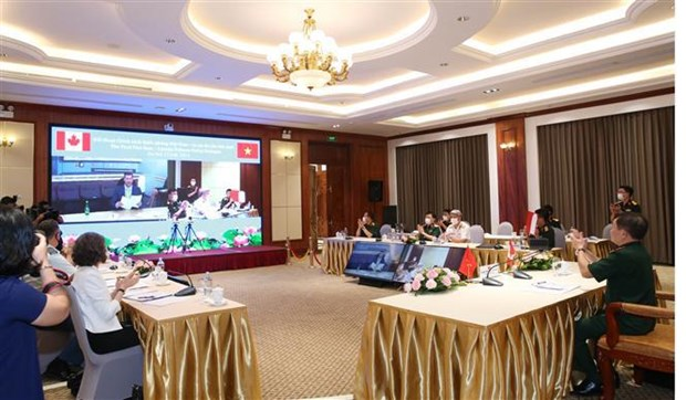 Vietnam, Canada hold first online defence policy dialogue hinh anh 2