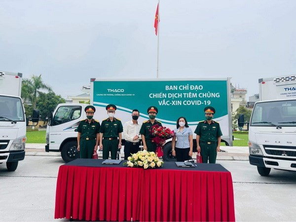 Refrigerated trucks allocated to Military Regions for COVID-19 vaccine transport hinh anh 1